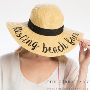 """""""Resting Beach Face"""" Embroidery Straw Floppy Sun H"""